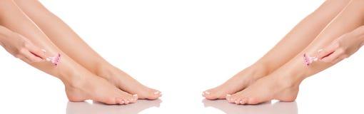 Gesetzte weibliche Füße Beinferse des Fußrasiermessers von der unterschiedlichen Richtungsmedizin-Schönheitsgesundheit Stockbild