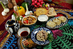 Gesetzte zentrale asiatische Küche des Lebensmittels Lizenzfreie Stockfotografie