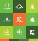 Gesetztes Ikonendesign der Immobilienlogoebene Lizenzfreie Stockfotos