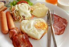 Gesetztes Menü des Frühstücks stockfotos