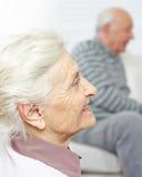 Gesicht der älteren Frau mit Falten Stockfoto