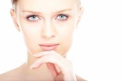 Gesicht der jungen Frau des Schönheitsnahaufnahmeportraits Stockfotos