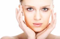 Gesicht der jungen Frau des Schönheitsnahaufnahmeportraits Lizenzfreies Stockbild