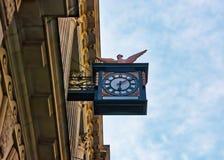Gesicht der Uhr im Stadtzentrum von London Großbritannien Lizenzfreie Stockfotos