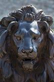 Gesicht einer Löweskulptur gemacht von der Bronze, LÃ-¼ Kessel, Deutschland Lizenzfreie Stockbilder