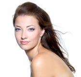 Gesicht einer reizvollen schönen jungen Frau Lizenzfreie Stockfotos