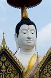 Gesicht von Buddha mit blauem Himmel Lizenzfreie Stockfotos