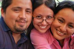 Gesichter der jungen hispanischen Freunde Lizenzfreies Stockfoto