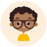 Gesichts-Avatara im Kreis Porträt-Afroamerikanerjunge mit Gläsern Vektorabbildung ENV 10 Flache Karikaturart lizenzfreie abbildung