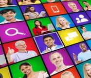 Gesichts-Leute-Verschiedenartigkeits-multiethnisches nettes lächelndes Konzept Stockfotografie