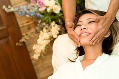 Gesichts-Massage Stockfotos
