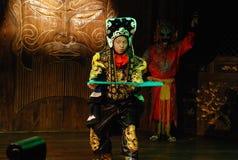 Gesichtsmaske, die in Sichuan-Oper ändert Lizenzfreies Stockfoto