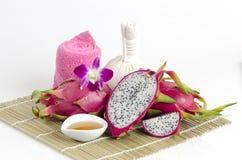 Gesichtsmaske mit Drachefrucht und -honig Lizenzfreies Stockbild