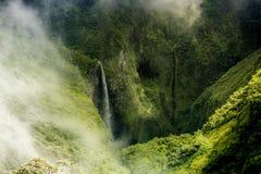 Gesichtspunkt des Wasserfalls Trou de Fer stockbilder