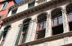 Gesierd voorgevel-I-Venetië-Italië Stock Foto's