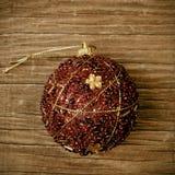 Gesierde Kerstmisbal met een retro effect Stock Foto's