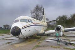 Gesloopt oud vliegtuig royalty-vrije stock afbeeldingen