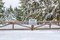 Gesloten de winterweg Stock Foto's