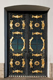 Gesloten metaaldeur met decoratief traliewerk Royalty-vrije Stock Foto