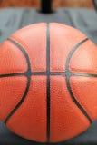 Gesloten omhoog mening van basketbal openlucht Royalty-vrije Stock Afbeeldingen