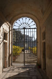 Gesloten poort aan het eind van een tunnel Royalty-vrije Stock Afbeelding