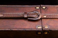 Gesloten riem op een houten geval Royalty-vrije Stock Afbeelding