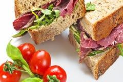 Gesloten Sandwich Pastrami Stock Afbeelding