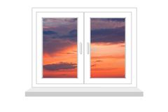 Gesloten venster met een soort op zonsondergang Stock Foto