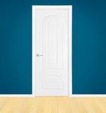 Gesloten witte deur Stock Afbeelding