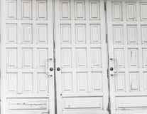 Gesloten witte deuren Stock Foto