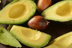 Gesneden avocado stock foto's