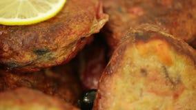 Gesneden braadstukvlees stock videobeelden