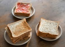 Gesneden brood †‹â€ ‹voor beakfast stock afbeelding