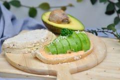 Gesneden brood met avocado Royalty-vrije Stock Foto