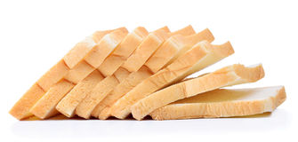 Gesneden brood op witte achtergrond Stock Afbeeldingen