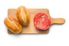 Gesneden chorizo salami en broodjes Royalty-vrije Stock Foto's