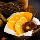 Gesneden citroen en sinaasappel Stock Afbeeldingen