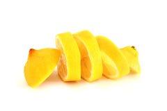 Gesneden citroen op witte achtergrond Royalty-vrije Stock Fotografie