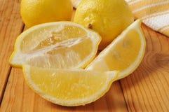 Gesneden citroenen royalty-vrije stock foto's