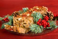 Gesneden de Cake van het Fruit van Kerstmis royalty-vrije stock foto's