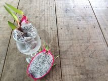 Gesneden draakfruit of Pitaya stock afbeelding