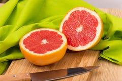Gesneden Grapefruit Stock Afbeelding