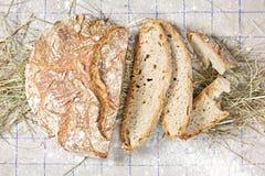 Gesneden het Brood van het land Stock Foto's