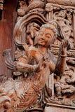 Gesneden houten beeldhouwwerken in de wereld Heiligdom van Waarheid, Pattaya, Thailand Stock Afbeeldingen
