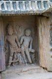 Gesneden idool van goden op de binnenmuur van een klein heiligdom Gebouwd in 1026 - ADVERTENTIE 27 tijdens regeert van Bhima I va royalty-vrije stock foto's