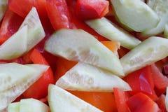 Gesneden Komkommer en Spaanse peper Royalty-vrije Stock Foto
