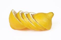 Gesneden omhoog citroen. royalty-vrije stock fotografie