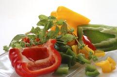 Gesneden peper met kruiden Stock Foto