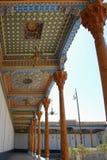 Gesneden plafondcolonnade in Boukhara Stock Foto's
