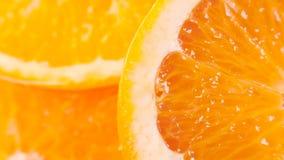 Gesneden rijpe sinaasappel stock video